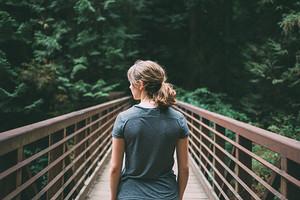 Как избавиться от боли в спине: первая помощь и упражнения