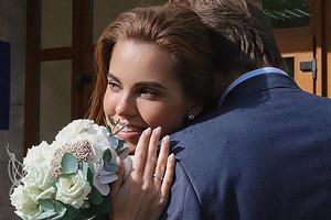 Победительница шоу «Холостяк» Дарья Клюкина показала свадебный наряд (нет, это не платье)