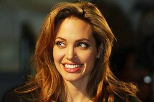 Анджелина Джоли стала блондинкой для нового фильма Marvel