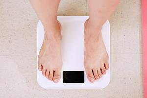 8 лучших напольных весов для тех, кто худеет и следит за собой