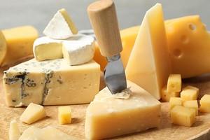 Как правильно хранить сыр в холодильнике, чтобы он дольше сохранял свежесть и вкус
