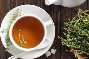 Тонус, расслабление и похудение: полезные свойства и возможный вред чая с чабрецом