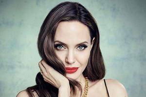 Анджелина Джоли похудела до 45 килограммов после развода с Брэдом Питтом