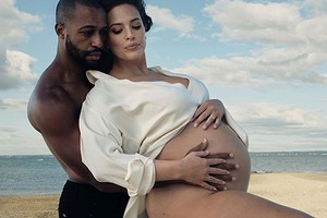 Эшли Грэм впервые стала мамой