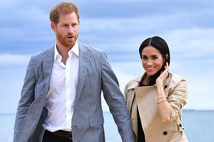 Отец Меган Маркл заявил, что королевская семья должна содержать его