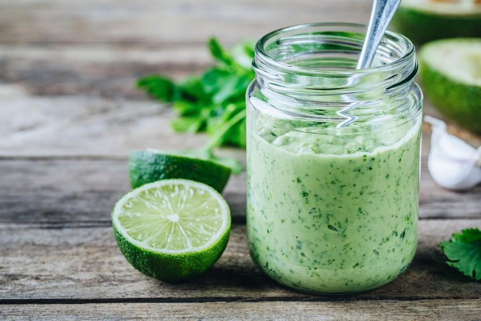 Полезные заправки для салата из йогурта: 7 лучших рецептов на каждый день