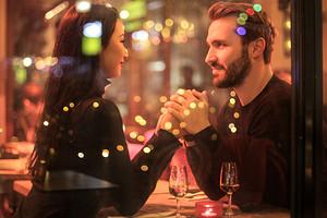 Идеи на День святого Валентина для знаков зодиака, пар и одиночек