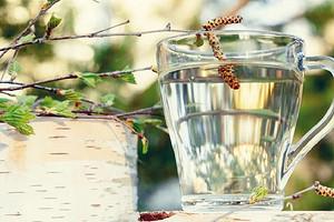 Похудение, лечение авитаминоза: какую еще пользу ждать от березового сока (целых 18 свойств)