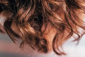Прическа не спасет: 5 признаков плохого ухода за волосами