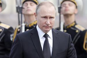 Владимир Путин выпил за здоровье Никиты Михалкова (видео)