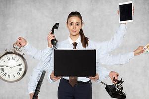 Болезни трудоголиков: зачем мы вытесняем жизнь работой и чем это грозит