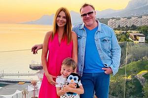 Наталья Подольская показала фото с сыновьями от Преснякова после выписки из роддома