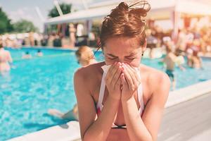 3 причины, из-за которых мы заболеваем на отдыхе (и как этого избежать)