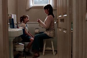 Тревога, интерес или аутоагрессия: как понять, с чем связаны прикосновения ребенка к своему телу