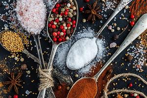 15 полезных заменителей соли (и на вкус намного интереснее)