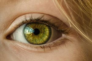 13 симптомов заболеваний глаз (игнорировать некоторые очень опасно)