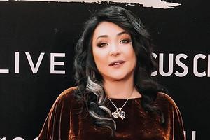Лолита выступила против слов Валерия Меладзе о бойкоте новогодних шоу (видео)