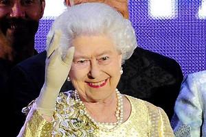 Барон Сибири: королева Елизавета II впервые наградила россиянина титулом