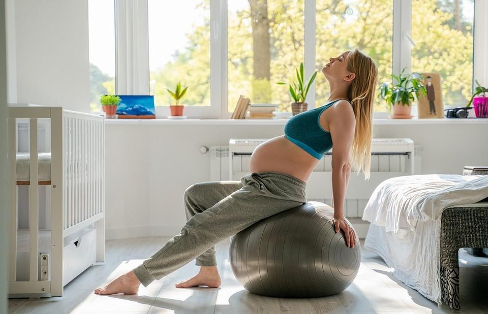 Упражнения для беременных: комплекс для каждого триместра и правила безопасных занятий