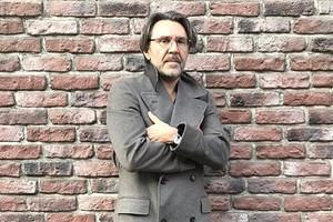 «Йося, выходи!»: Сергей Шнуров прилетел в Дубай и потроллил Пригожина