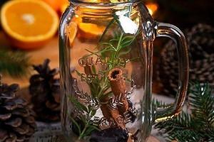 Сандал, корица, мускус: какие ароматы для дома лучше всего согревают зимой