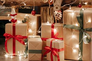 На мели: 10 классных бьюти-подарков на Новый год до 500 рублей