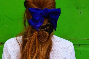 Выбрось это немедленно: аксессуары для волос, которые бесят мужчин