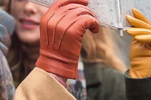 Как определить размер перчаток по ладони: таблица и правила измерения руки (видео)