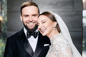 Солистка Artik & Asti вышла замуж