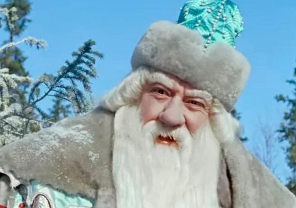 8 отечественных актеров, которые перевоплощались в кино в Дедов Морозов