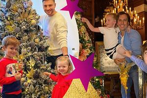 Елки Лазарева, Киркорова и других: как звезды украсили свои дома к Новому году