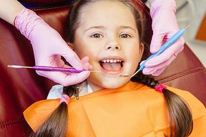 Без страха и слез: как подготовить малыша к первым визитам к врачу-стоматологу