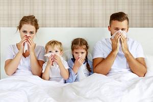 Не только простуда: важные причины насморка у взрослых и детей