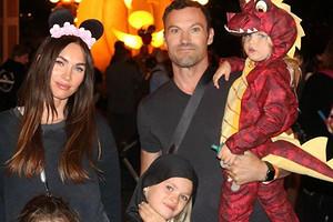 Экс-супруг Меган Фокс требует совместную опеку над детьми после развода