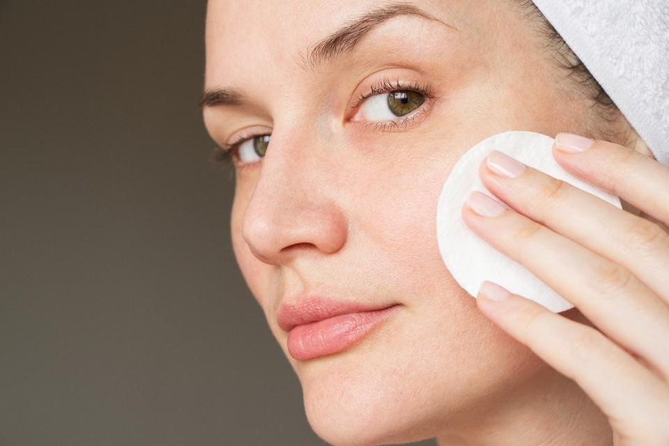 Как ухаживать за жирной кожей лица: 7 правильных ответов на важные вопросы