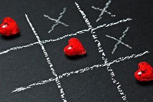 Поиграем? 5 любовных игр, которые гарантированно заведут вас обоих