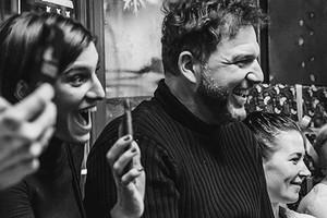 «Смотреть имедитировать»: Максим Виторган иНино Нинидзе сделали романтичный кадр вгорах Омана