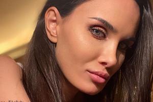«Синяки и пятна»: Алана Мамаева показала свое фото без ретуши и макияжа