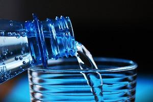 Питьилинепить:вся правдаодистиллированнойводе