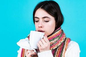 8 продуктов, которые нельзя есть при простуде (и 4 вредных напитка)