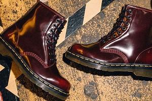 С чем носить женские ботинки на шнуровке: 49 модных образов на каждый день