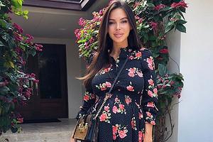 «Боюсь заходить вInstagram»: Оксана Самойлова призналась, что ейуже неловко перед людьми из-за своей беременности (видео)