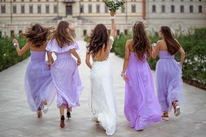 Подружка невесты: что надеть на свадьбу в 2020 году