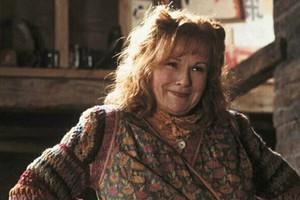 У Молли Уизли из «Гарри Поттера» обнаружили рак третьей стадии