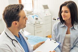 9 вещей, которые нельзя делать перед посещением врача