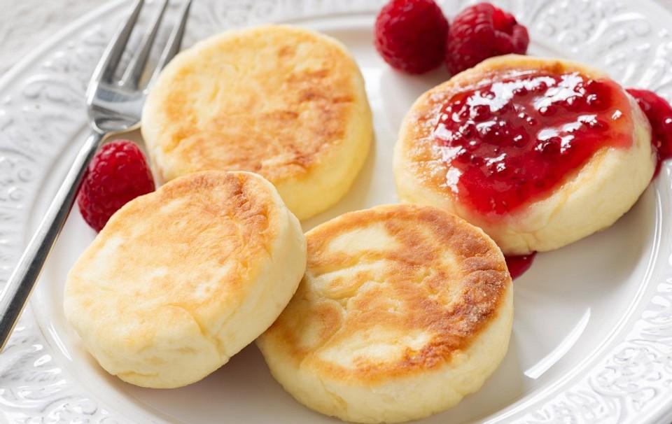С мармеладом, картофелем и изюмом: 7 лучших рецептов сырников из творога в духовке