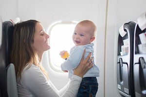 13 вещей, которые тебе просто необходимы, если ты летишь отдыхать с маленьким ребенком