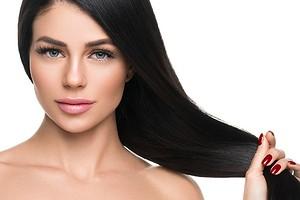 Как смыть черную краску с волос: профессиональные процедуры и безопасные домашние средства