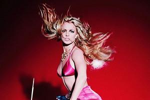 Бритни Спирс показала, как сломала ногу во время танцев (видео)