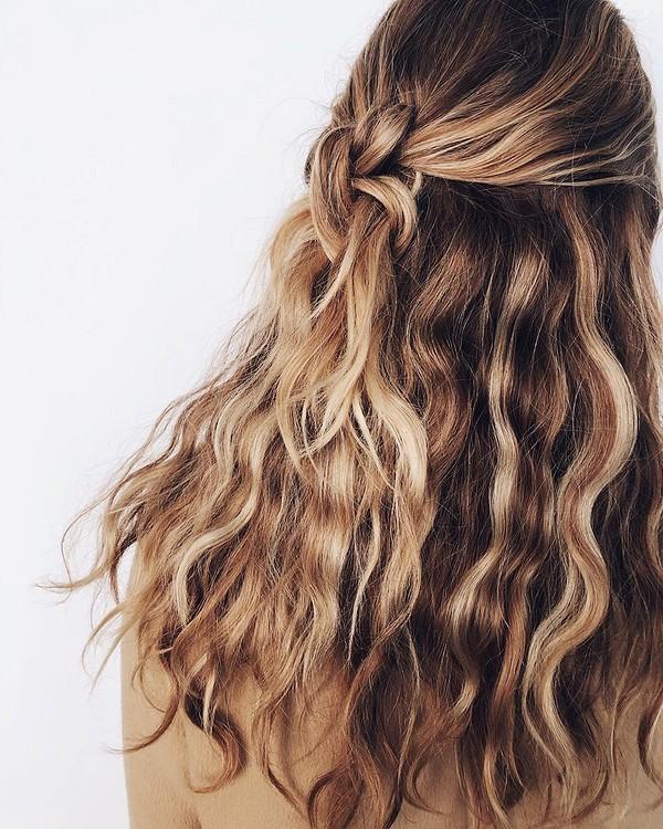 5 лайфхаков, которые помогут скрыть грязные волосы